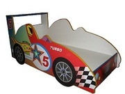 Детская кроватка Спортивный автомобиль