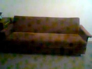 Продам диван, в хорошем состоянии 120*190, цвет темная вишня, возможен то