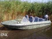 лодка Крым М с мотором Ямаха 20 и местом на 5м причале