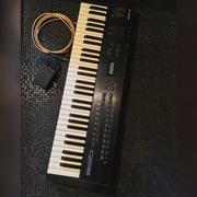 Продам синтезатор Alesis QS6